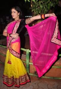 Sree Mukhi Sexy Half Saree Pics Gallery