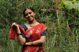 Sri Divya Cute Saree Images in Kattu Malli Movie