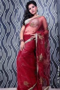 Srushti Dange Hot Navel Show Photos in Saree